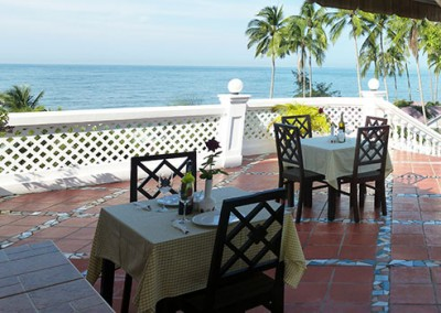Terrace-Restaurant-with-ocean-view